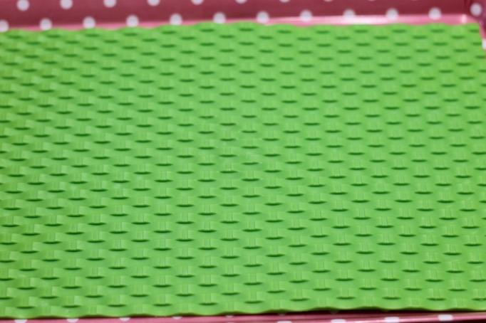 """משטח סיליקון """"קלוע"""" משמש במקור לעבודות קרמיקה"""