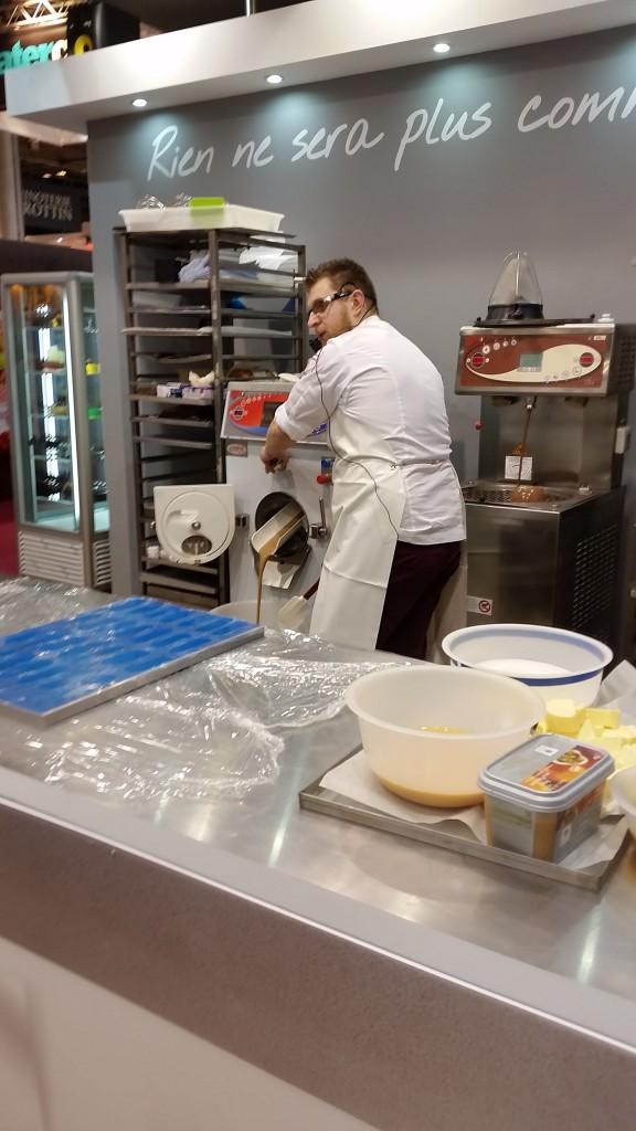 מכונה להכנת קרמים וגלידות